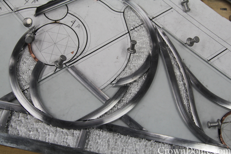 Leaded glass panel assembling for the decorative glass dome